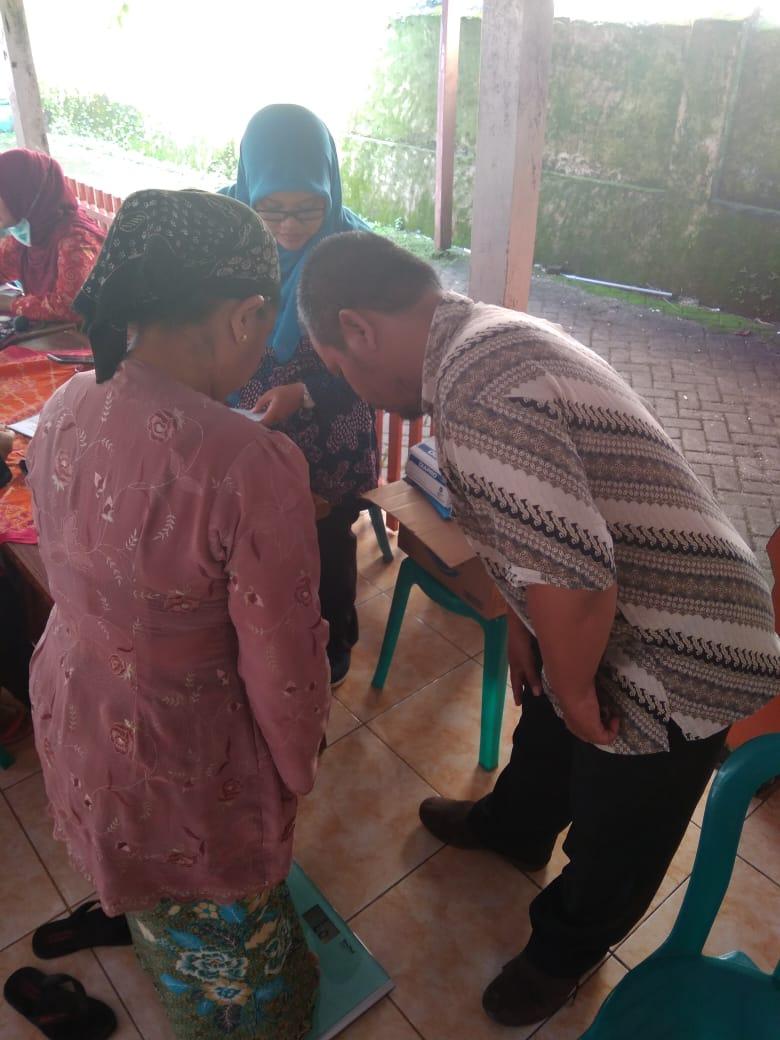 Pengabdian Masyarakat oleh Dosen Prodi D3 dan D4 Analis Kesehatan Poltekkes Kemenkes Surabaya di Kabupaten Probolinggo dan kabupaten Pasuruan